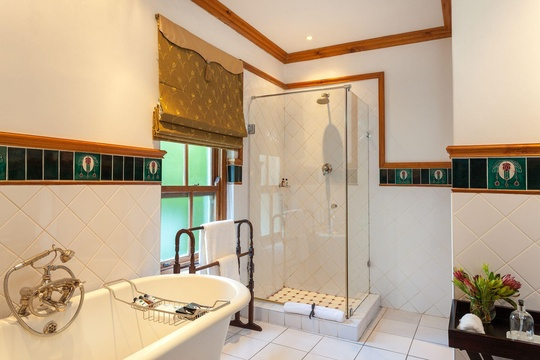 Classic Rooms have spacious bathrooms